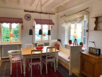 Esszimmer in den Ferienwohnungen Haus Schneekappe in Winterberg